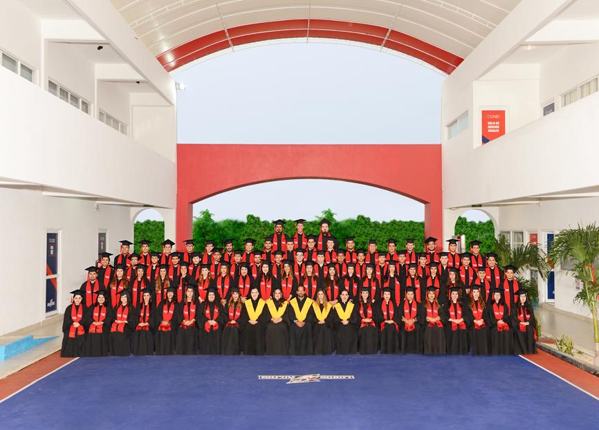 Despiden a la Generación 2014-2017 de la sede Francisco de Montejo
