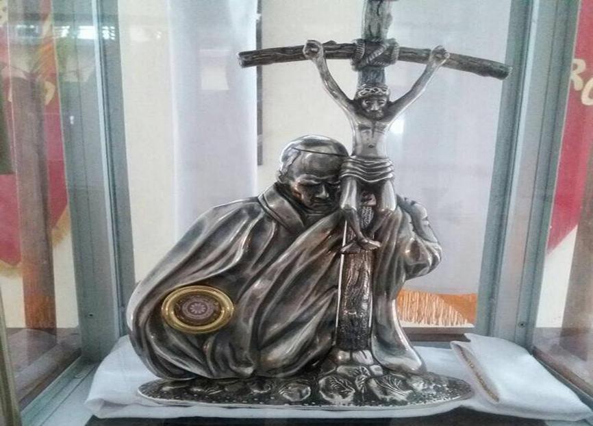 Recuerdan a San Juan Pablo II con fiesta patronal